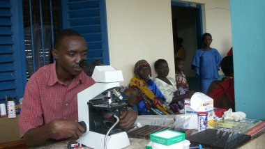 Malaria microscopist in health care facility in Tanzania